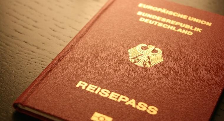 passport-249420_640