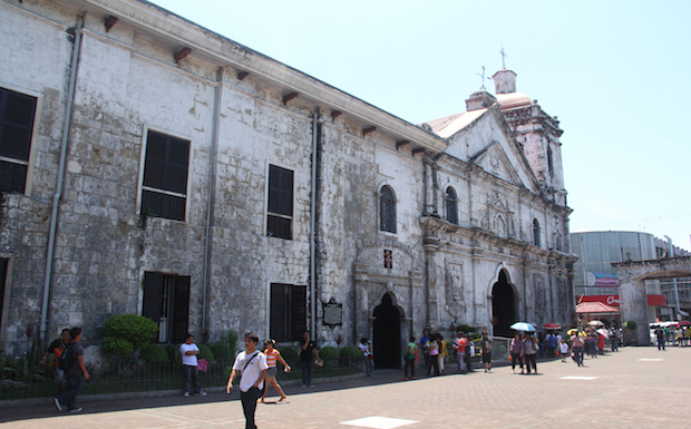 Basilica_de_Sto_Nino_Cebu