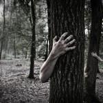 「怖い」の英語表現9選【恐怖の種類で使い分け!?】