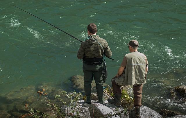fishermen-2138015_640