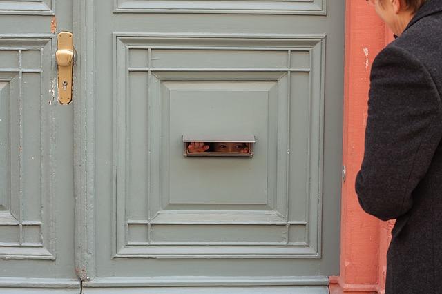 front-door-2273885_640