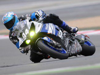 motorcycle-racer-597913_640