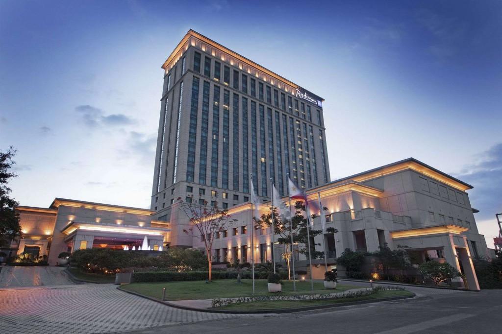 radisson-blu-hotel-cebu-1