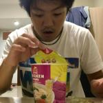 フィリピンで愛されるカップ麺を食レポしようとした時に起こった、まさかの悲劇
