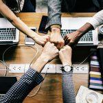 人と物では異なる!「集まる」の英語フレーズ18選と使い分け方